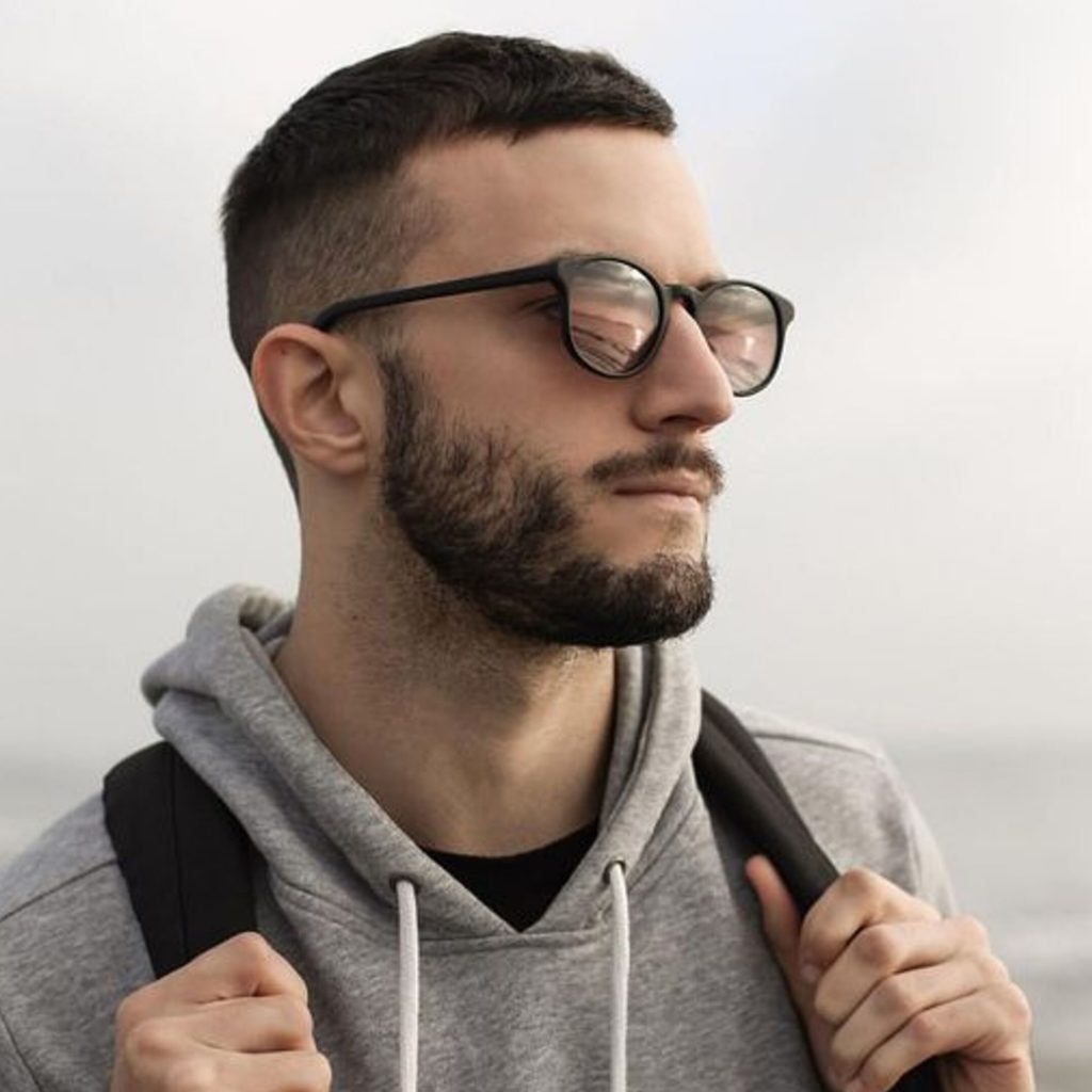 corte de cabelo masculino para o trabalho estilo ceasar