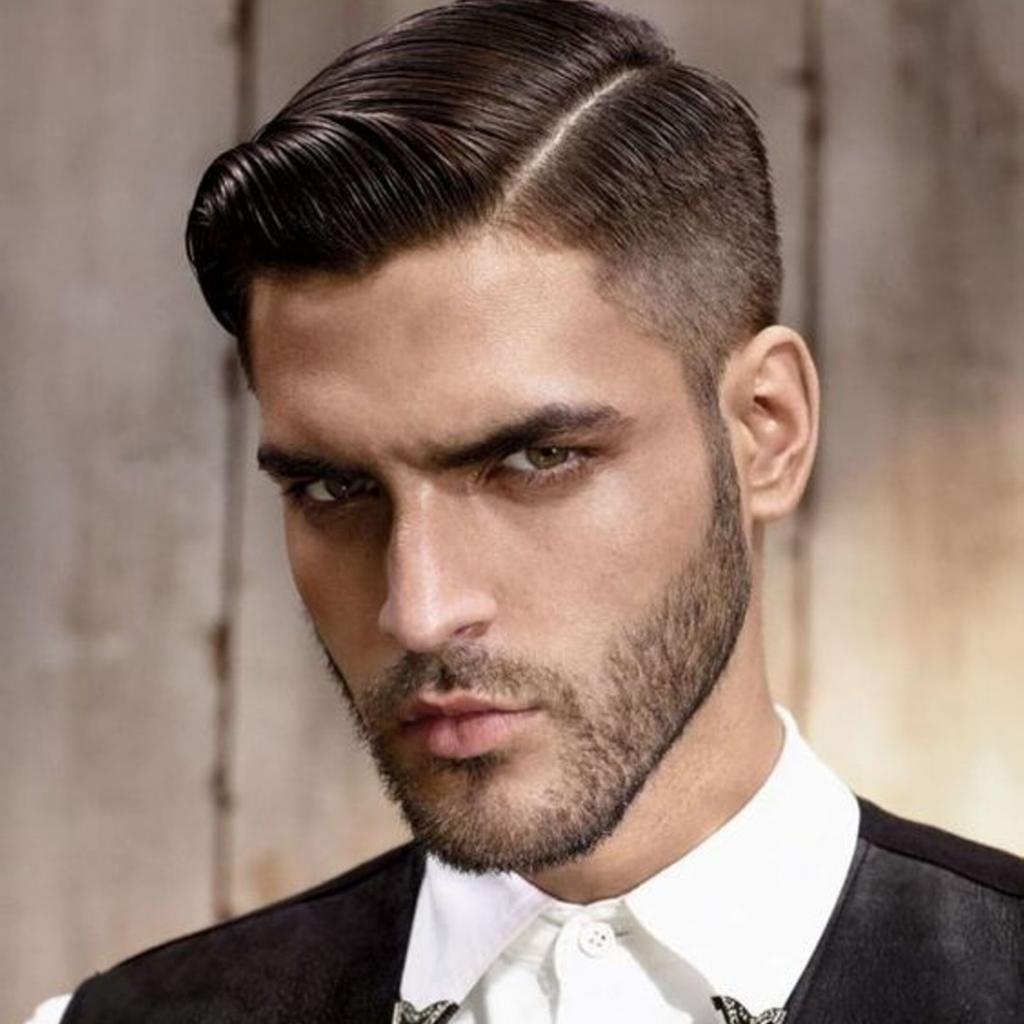 corte de cabelo masculino para o trabalho  com topete