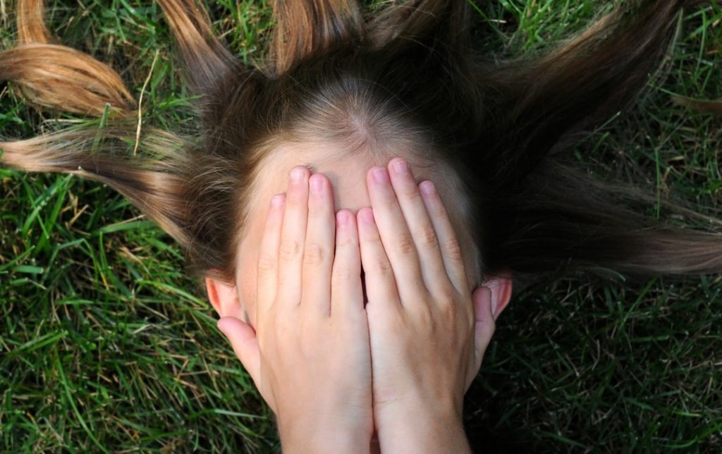 melhor corte de cabelo feminino longo formato de rosto