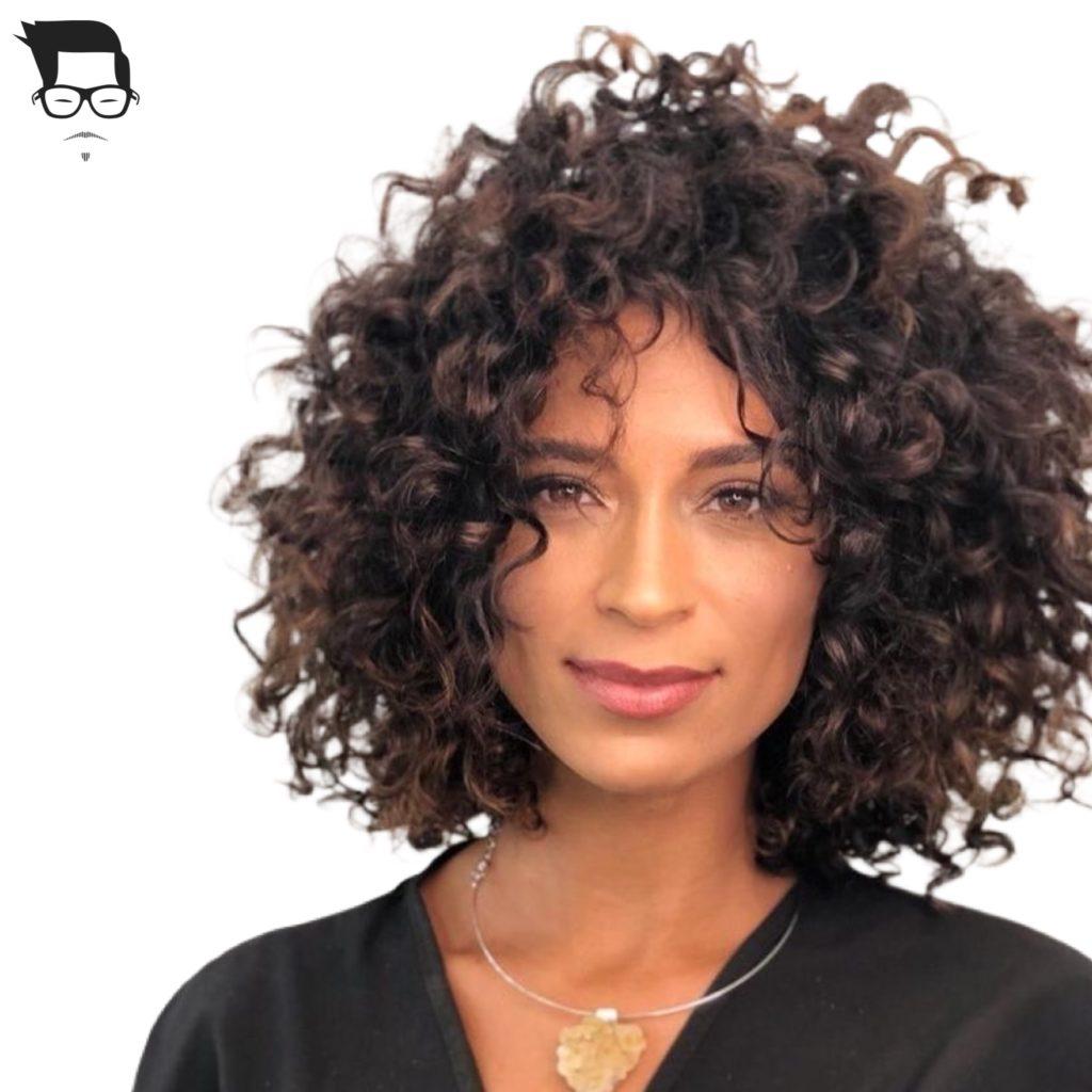 corte de cabelo médio cacheado