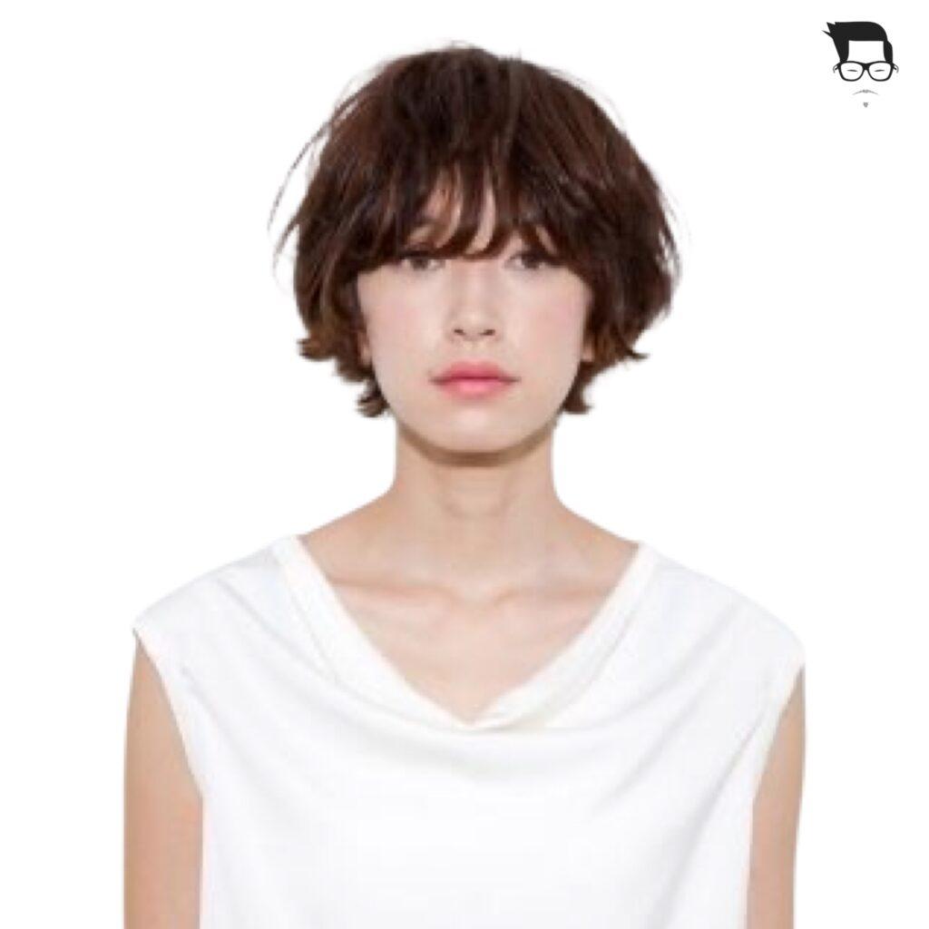 corte de cabelo curto com franja reta
