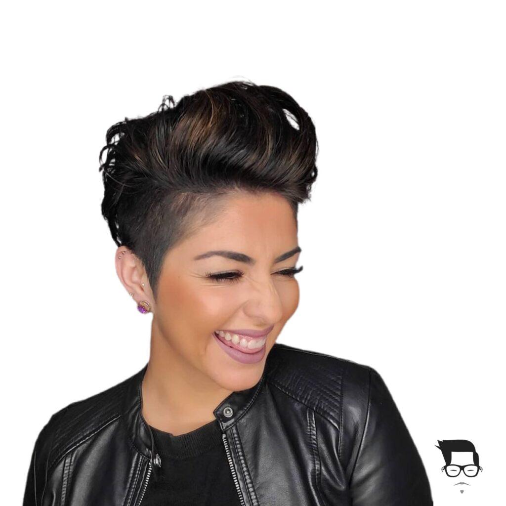 corte de cabelo curto feminino shaved com topete